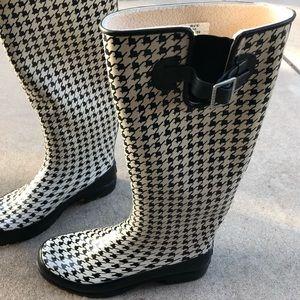 Sperry tall rain boots